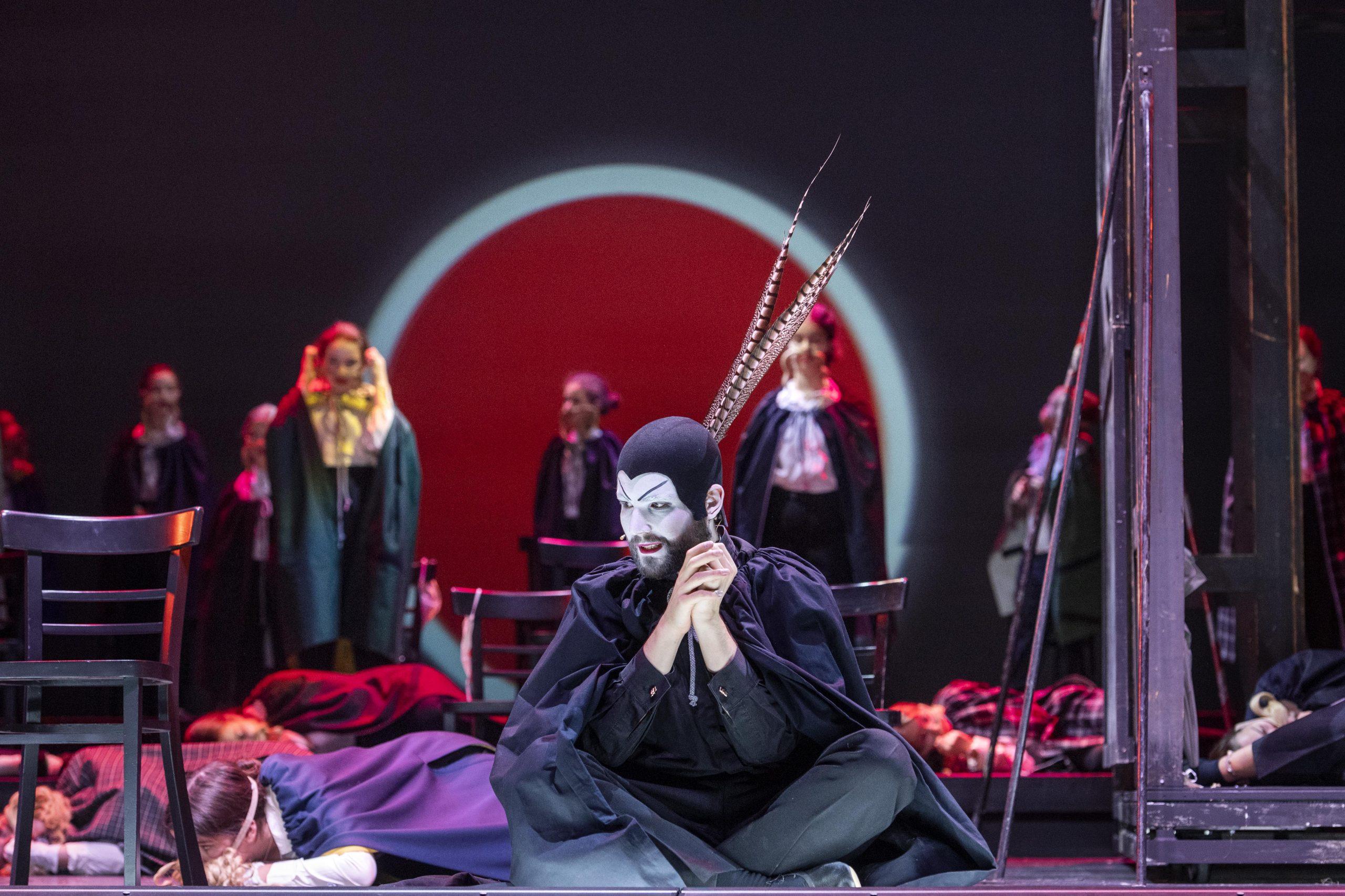 Faust: Eine raffinierte musikalische Collage